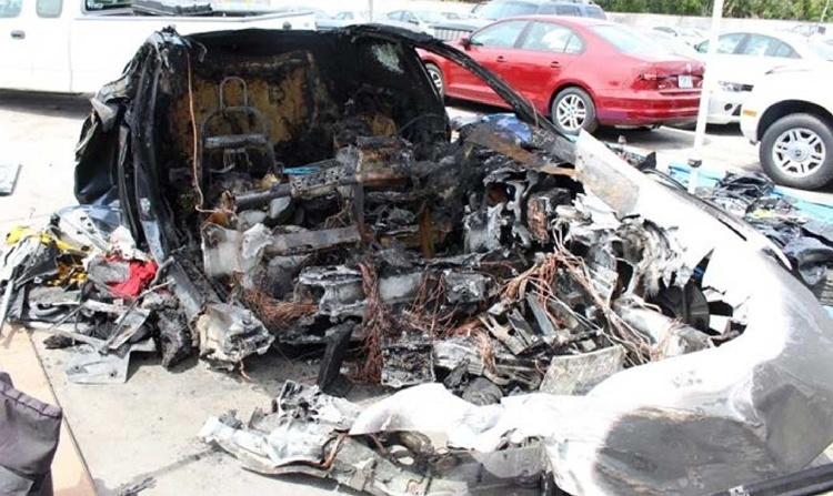 Пожарные трижды тушили Tesla Model S после ДТП