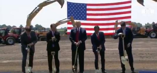Foxconn приступила к строительству своей первой фабрики в США