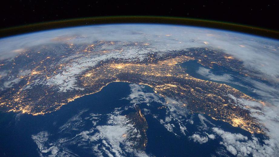 Китай и Россия обсуждают совместный проект орбитальной космической станции - 1