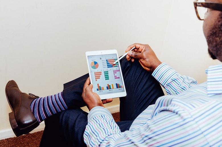 Экономисты признали iPhone и iPad индикатором богатства - 1