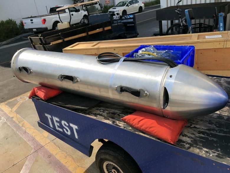 Фотогалерея дня: Илон Маск показал миниатюрную подводную лодку - 3