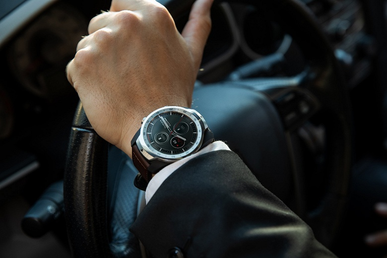 Умные часы Ticwatch Pro с двойным экраном могут купить не все