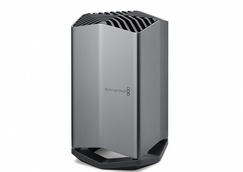 Blackmagic eGPU — внешняя видеокарта для новеньких ноутбуков MacBook Pro, оснащённая адаптером Radeon RX 580