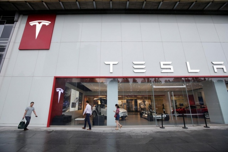 После сделки с Tesla Шанхай намерен отменить ограничения на инвестиции иностранных компаний