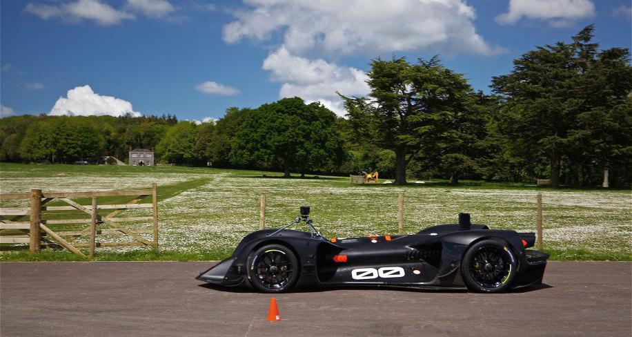 Заезд беспилотного автомобиля Roborace в Гудвуде: видео