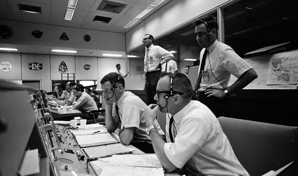 Оцифрованы записи переговоров миссий «Аполлон» с центром управления полетами NASA - 2