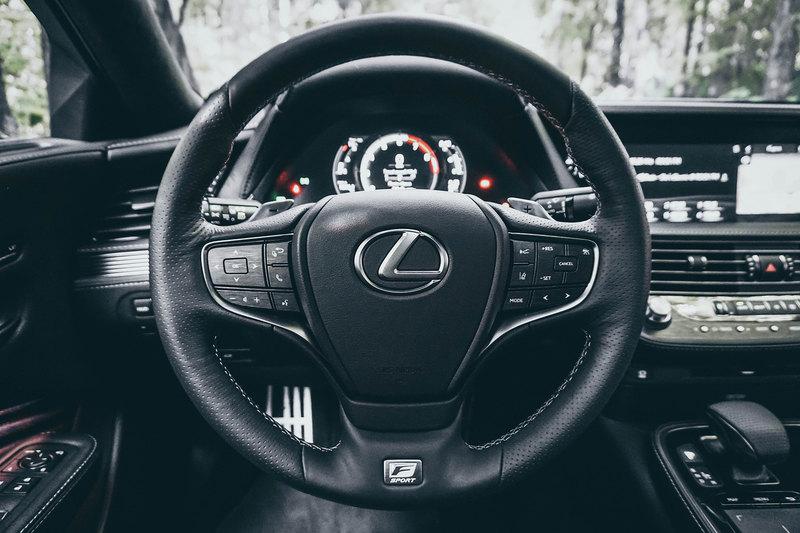 Омотенаши: тест Lexus LS 500
