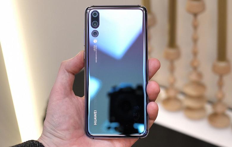 Huawei впервые опередила Samsung и Apple по продажам в России