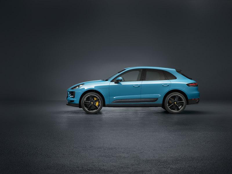 Porsche показала обновленный Macan