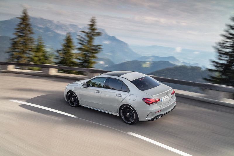 Mercedes-Benz рассекретил «короткую» версию седана A-класса