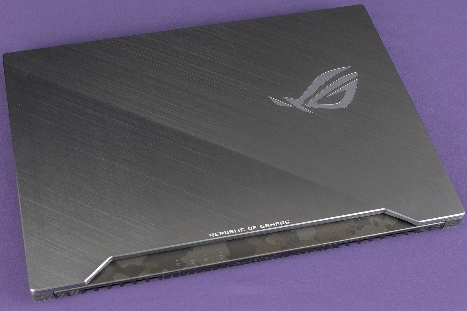 Обзор игровых ноутбуков ASUS ROG Strix GL504GS SCAR II и ASUS ROG Strix GL504GM HERO II - 17