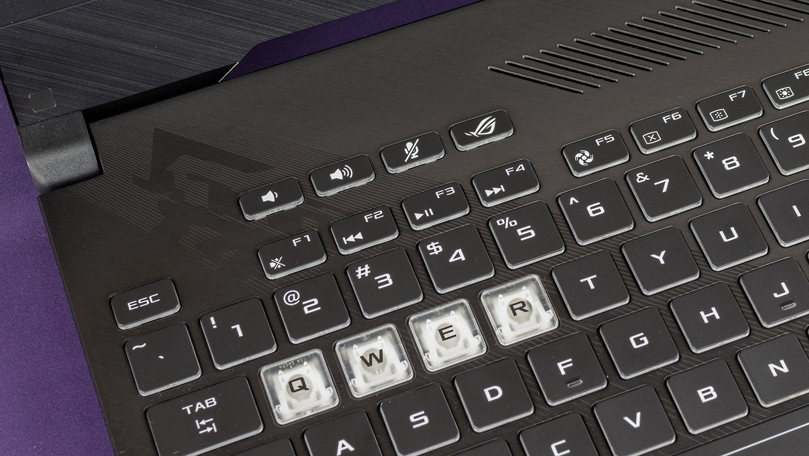 Обзор игровых ноутбуков ASUS ROG Strix GL504GS SCAR II и ASUS ROG Strix GL504GM HERO II - 36