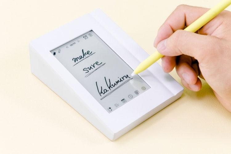 Стартовал сбор средств на электронный «перекидной календарь» с дисплеем E Ink