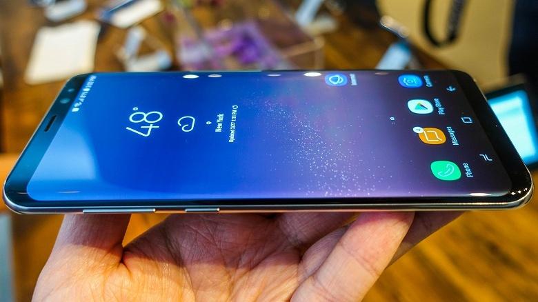 Бесспорным лидером рынка AMOLED продолжает оставаться Samsung Display