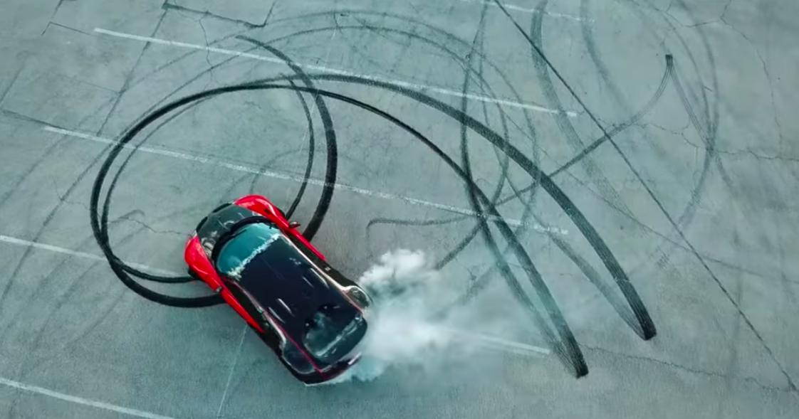 Как превратить Bugatti Veyron в заднеприводный?