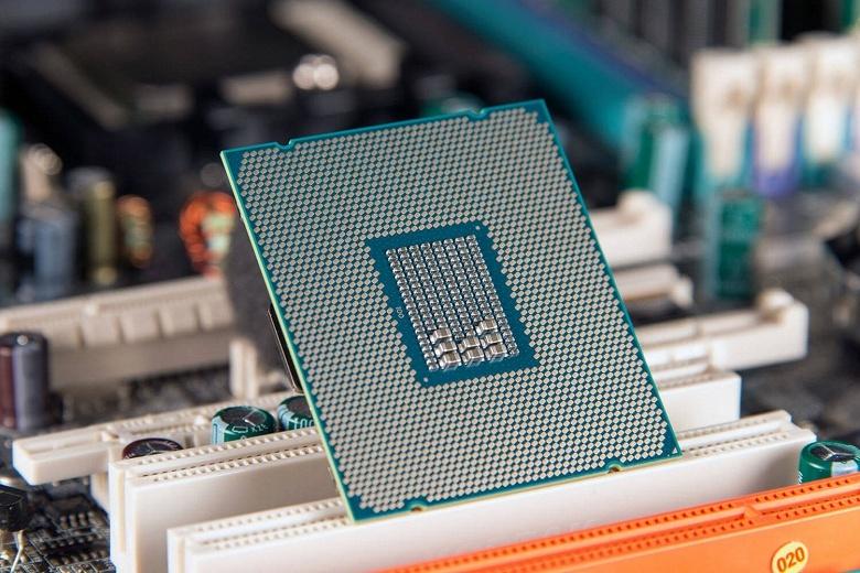 28-ядерный процессор Intel семейства Skylake-X появится в четвёртом квартале