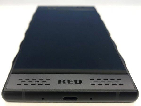 Фотогалерея дня: смартфон Red Hydrogen One с голографическим экраном