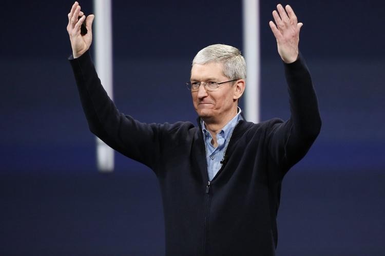 Капитализация Apple впервые достигла триллиона долларов