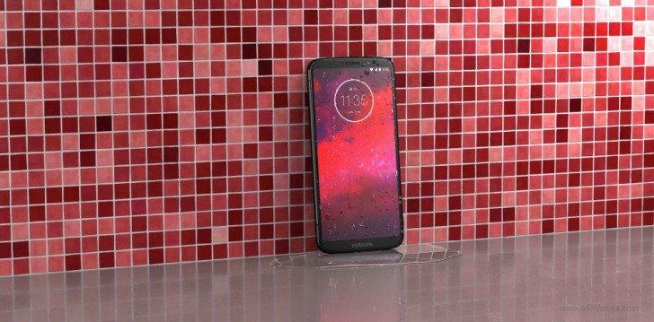 Представлен смартфон Motorola Moto Z3. И он дешевле младшей модели Z3 Play