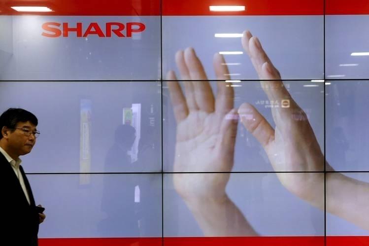 Первые смартфоны Sharp с экранами OLED выйдут в третьем квартале