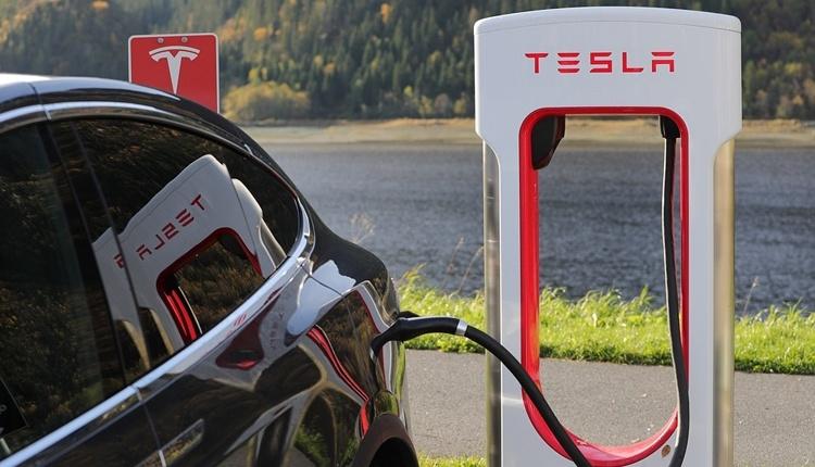 Tesla рассчитывает довести объём выпуска Model 3 до 10 000 штук в неделю в 2019 году