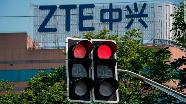 Демократическая партия США против использования кандидатами телефонов ZTE и Huawei