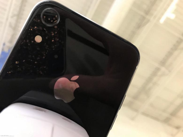 Фото дня: увеличенная одинарная камера смартфона iPhone 9