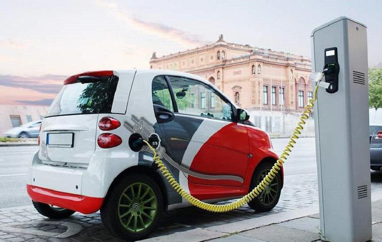 Китай обеспечит батареями более 70% электромобилей к 2020 году
