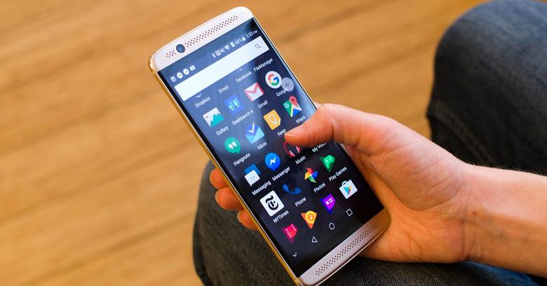 Смартфон ZTE Axon 9 могут показать в конце месяца