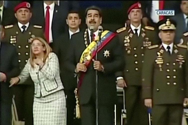 Венесуэла сообщила, что президент Мадуро стал объектом покушения при помощи дрона