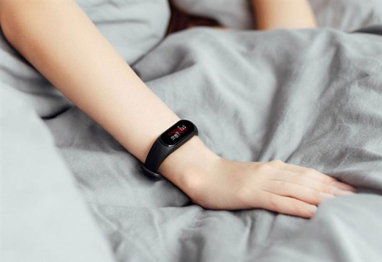 Фитнес-браслет Xiaomi Black Plus NFC обойдётся в $35