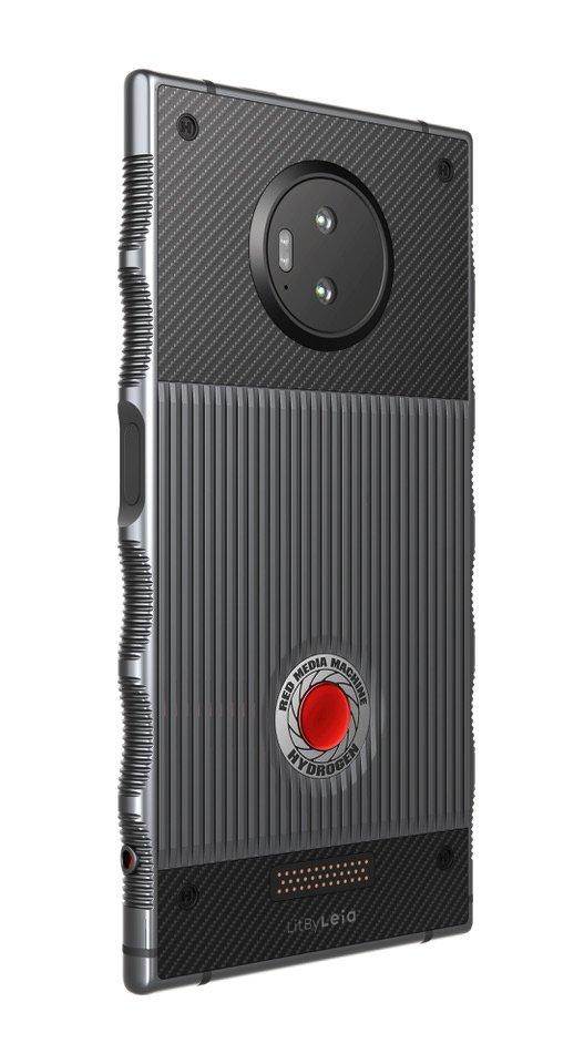Потенциально революционный смартфон Red Hydrogen One появится в продаже в ноябре