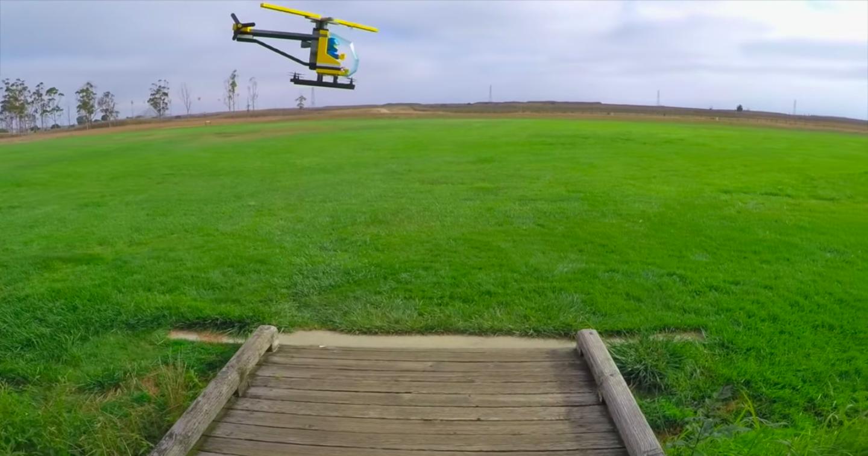 Игрушечный вертолёт из Lego заставили полететь