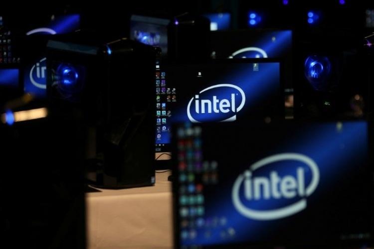 В 2017 году Intel выручила   млрд от продажи процессоров с поддержкой ИИ