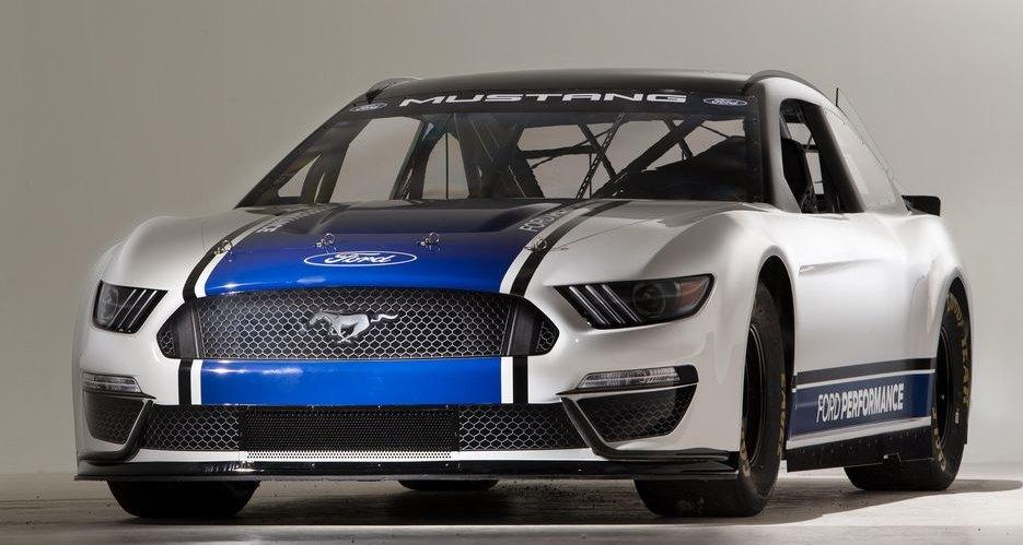 Ford показал Mustang для высшего дивизиона NASCAR