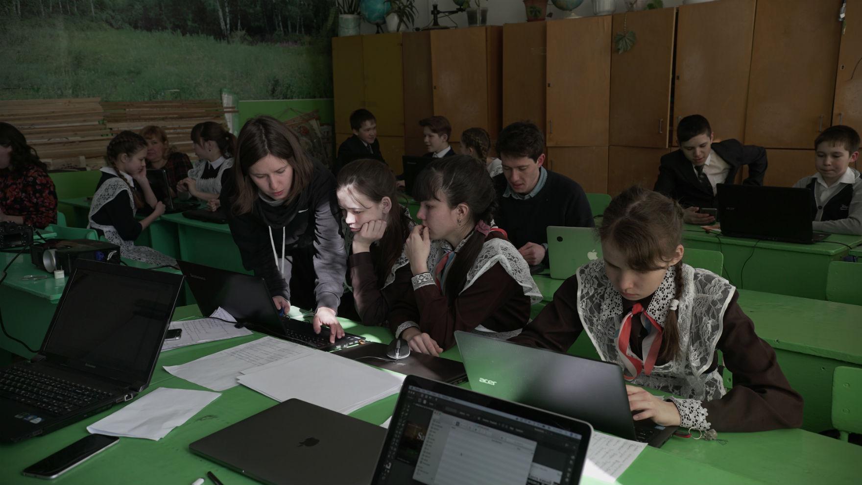 Могут ли дети в селах стать программистами, если рядом учат только на железнодорожников. Разговор с «Кружком» - 7