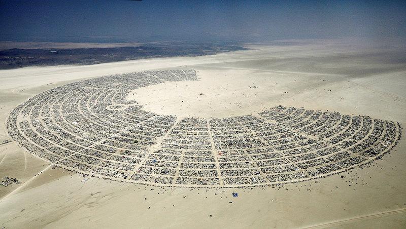 10 самых впечатляющих инсталляций фестиваля Burning Man