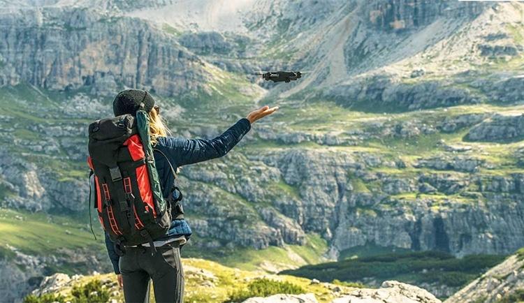 Yuneec представила мини-дрон Mantis Q: более получаса в воздухе