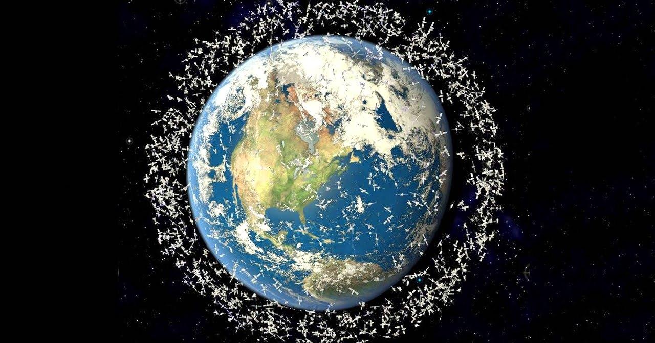 Спутник МГУ сможет бороться с космическим мусором