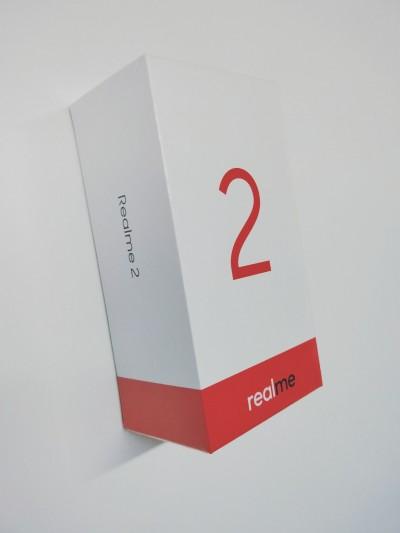 Появились изображения смартфона Oppo Realme 2 и его упаковки