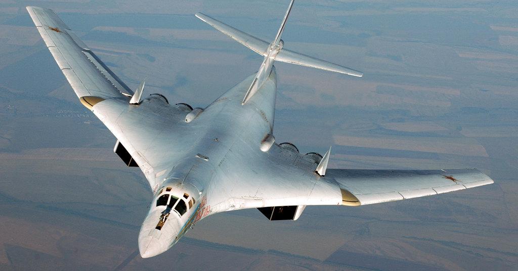 Ту-160 в Арктике и машина для сбора оливок: потрясающие технические видео