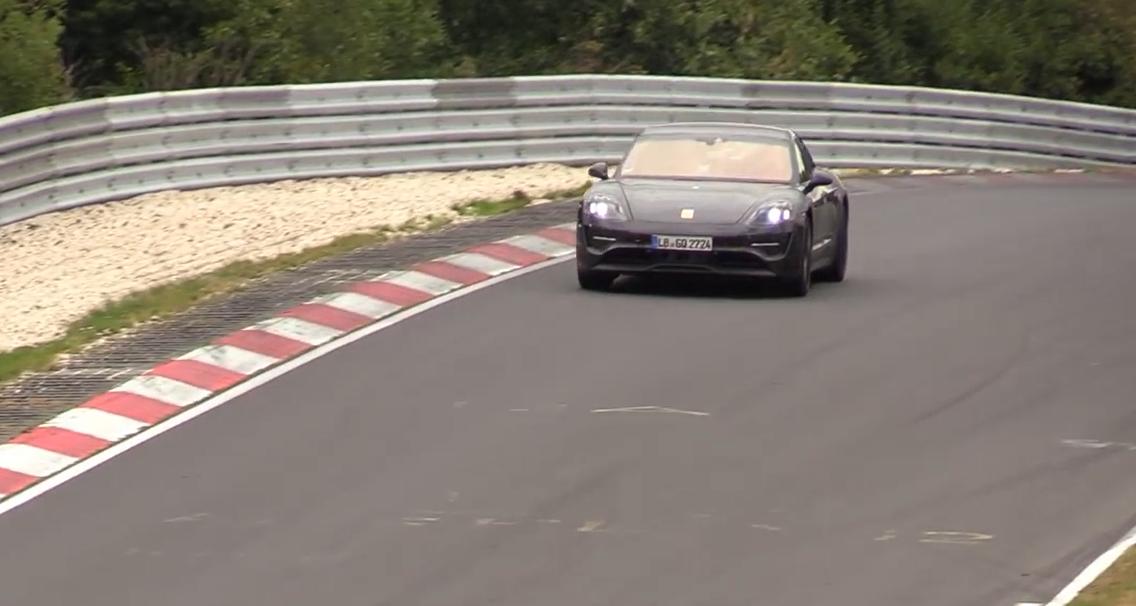 Электромобиль Porsche Taycan вновь замечен на Нюрбургринге: видео