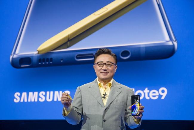 По стартовым продажам Samsung Galaxy Note9 сравнялся с Galaxy Note8 и превзошел Galaxy S9