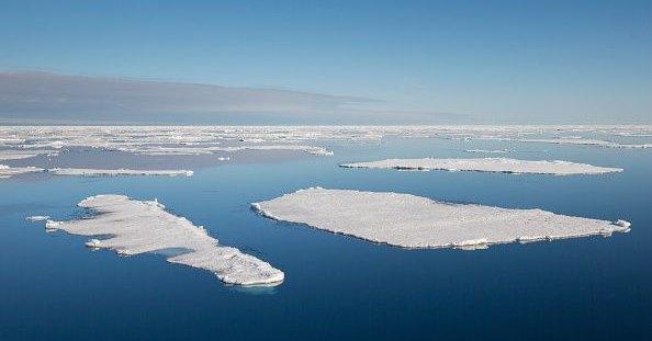 В Арктике начал таять самый прочный лед