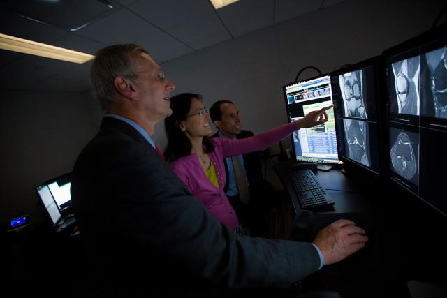 Facebook займется исследованиями МРТ с помощью ИИ - 1