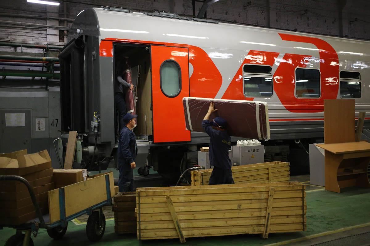 Как собирают вагоны для пассажирских поездов - 63