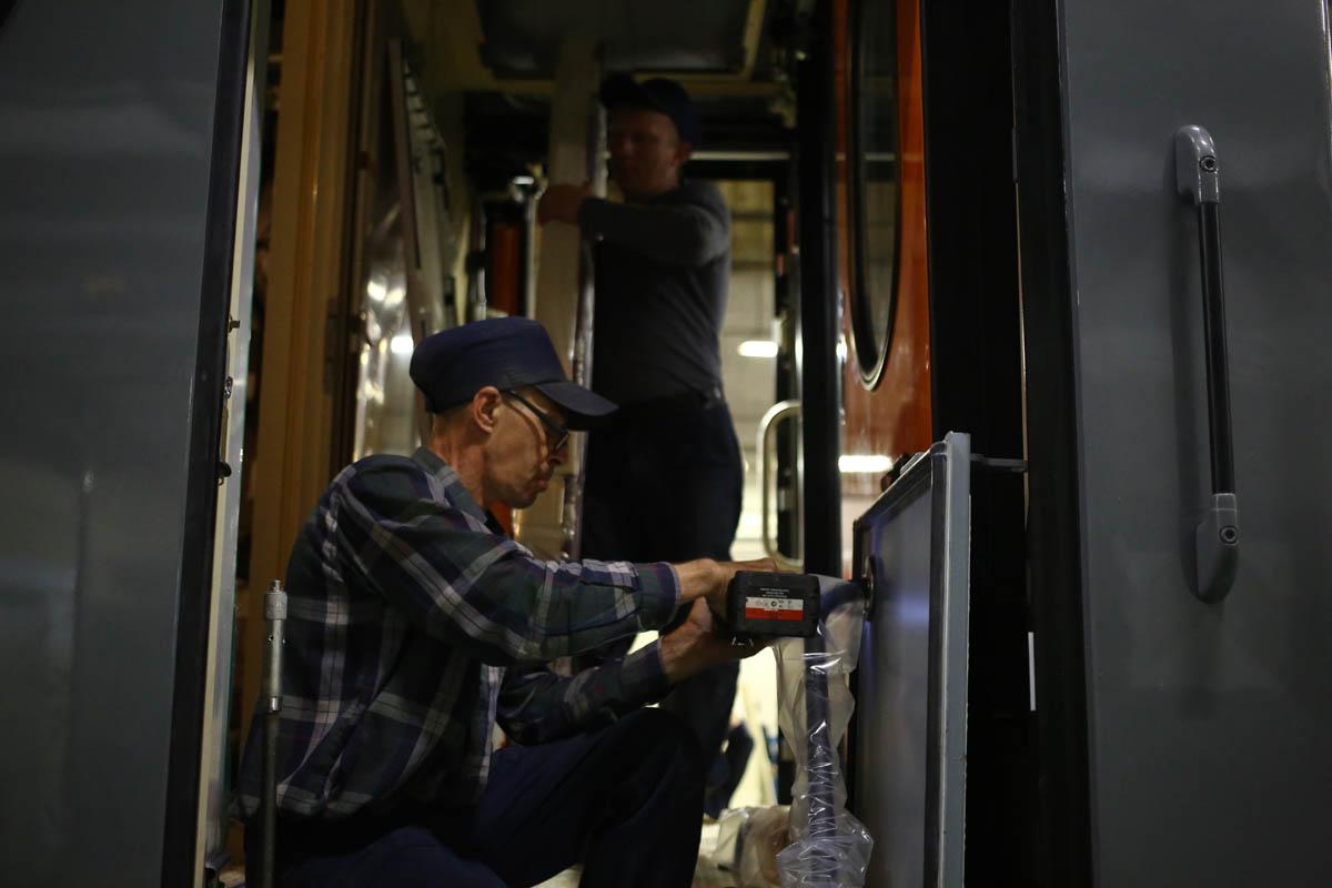 Как собирают вагоны для пассажирских поездов - 65