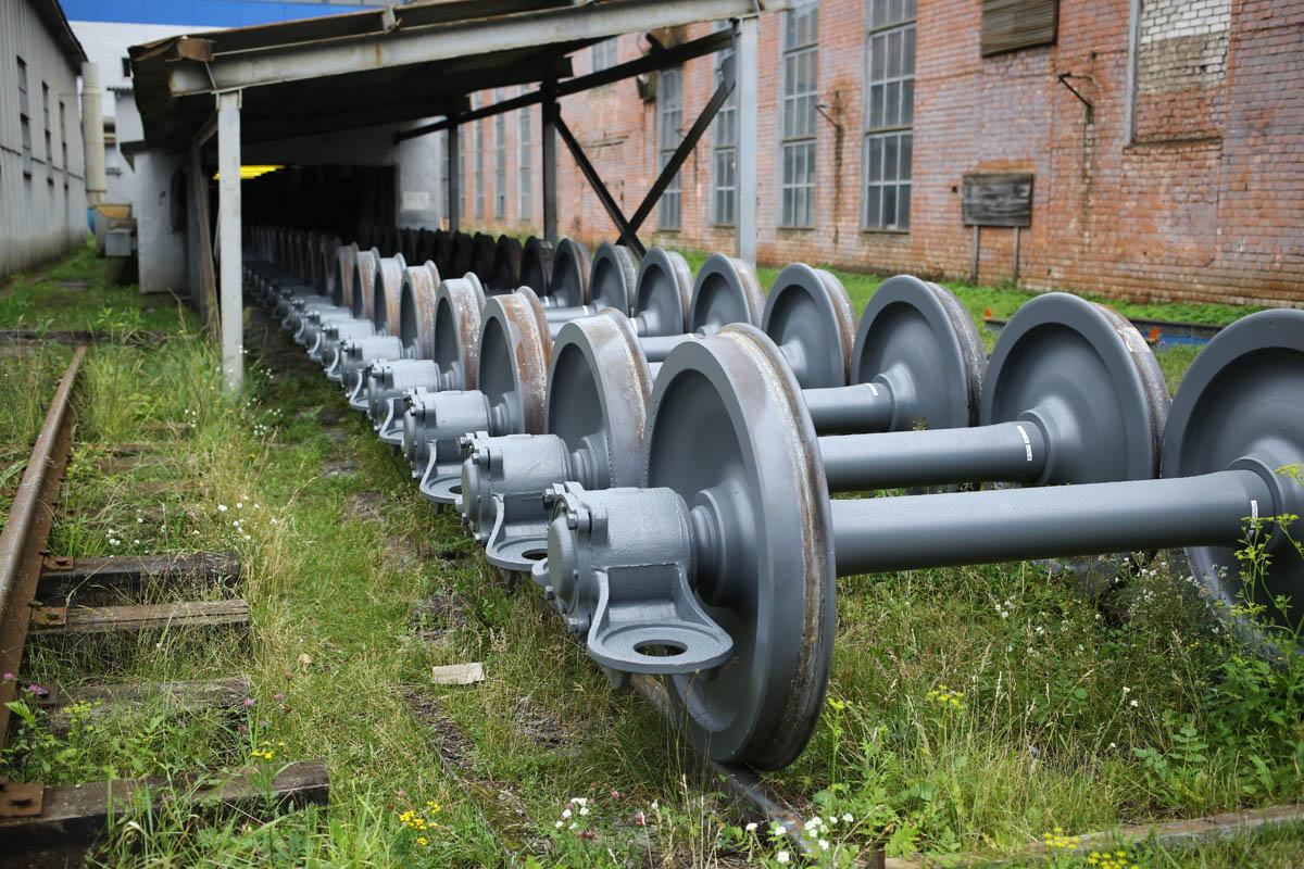 Как собирают вагоны для пассажирских поездов - 75