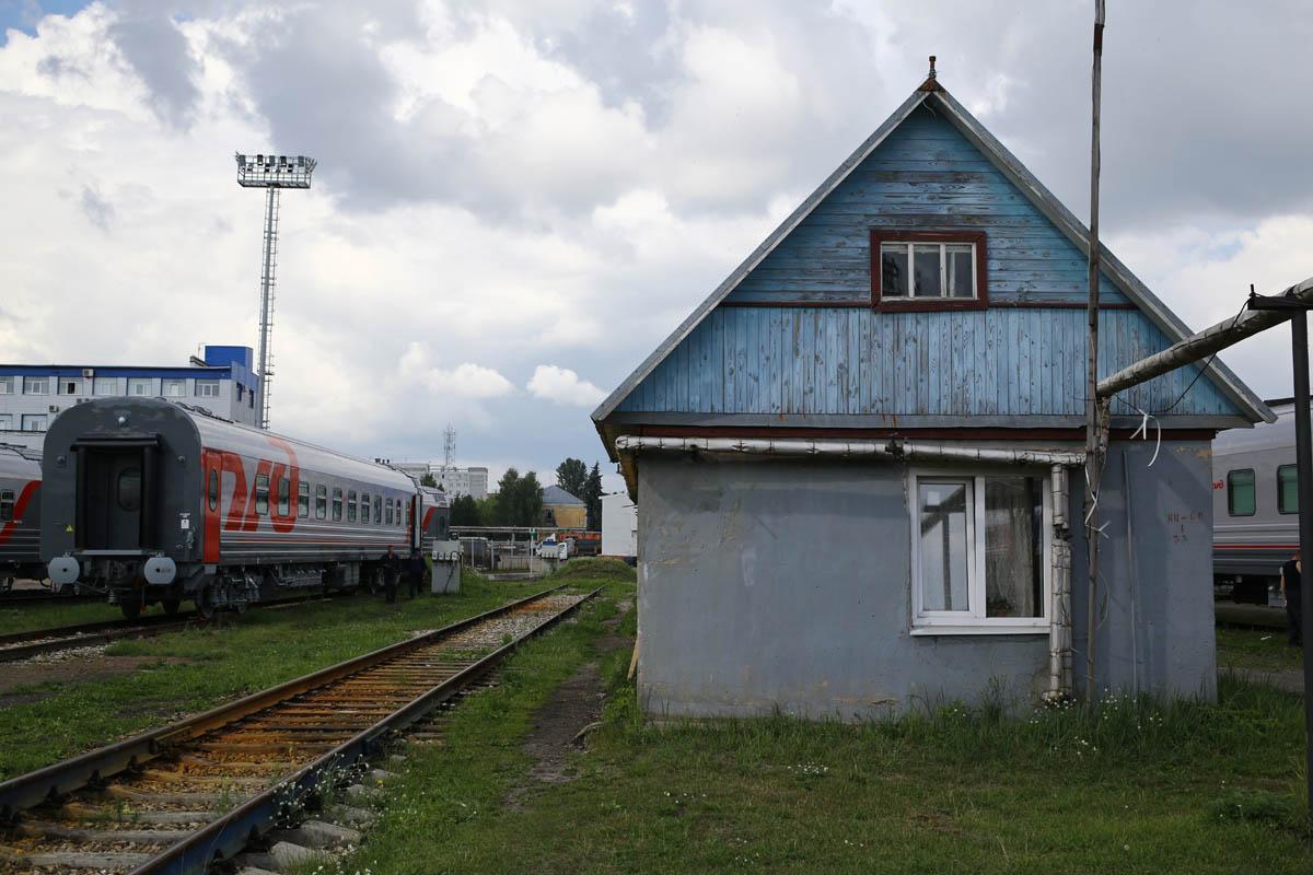 Как собирают вагоны для пассажирских поездов - 80