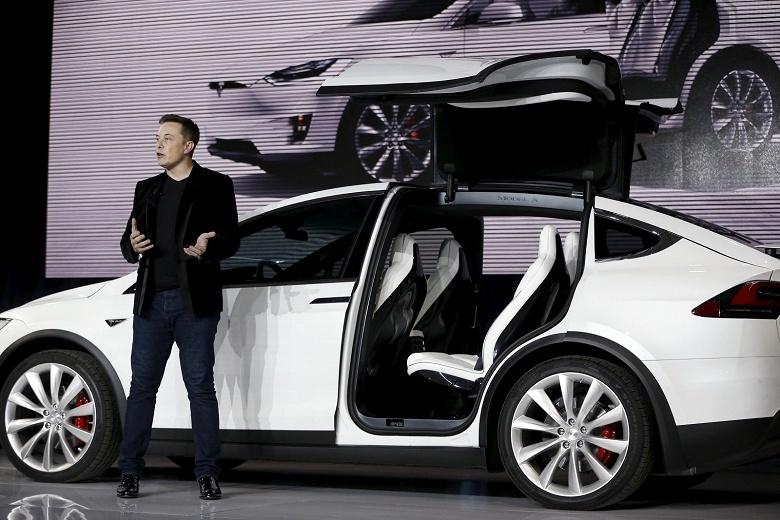 Илон Маск решил оставить все как есть - Tesla останется публичной компанией